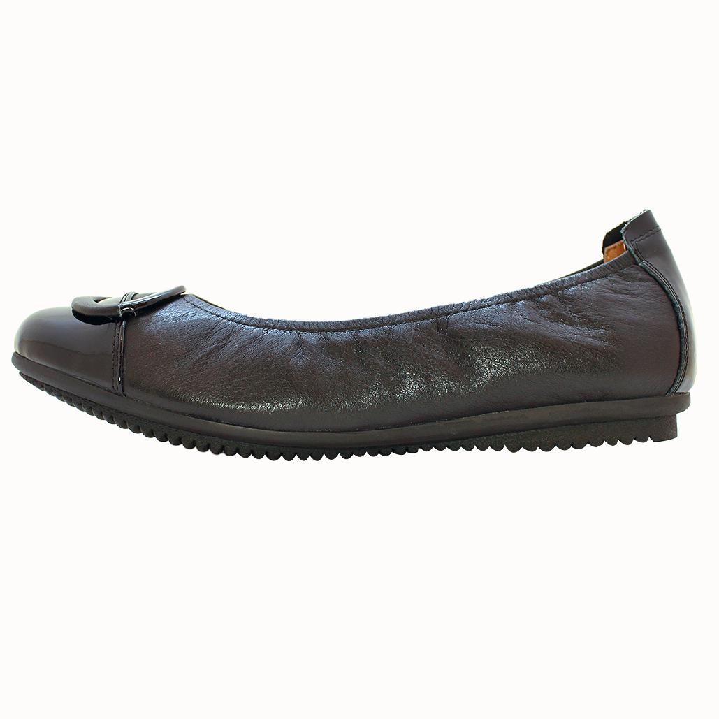 小香風經典款小牛皮拼接平底鞋