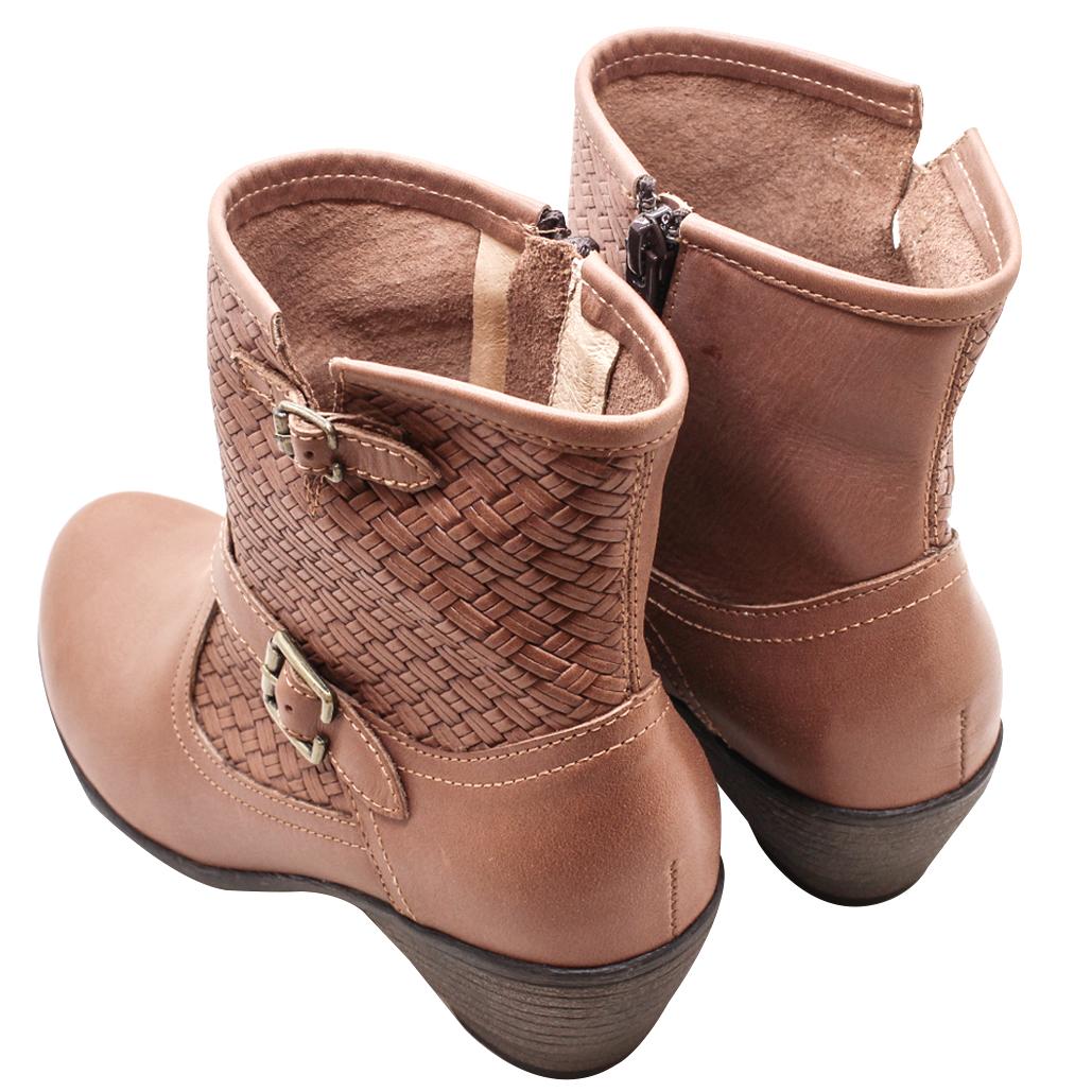 小牛皮編織壓紋低粗跟短靴