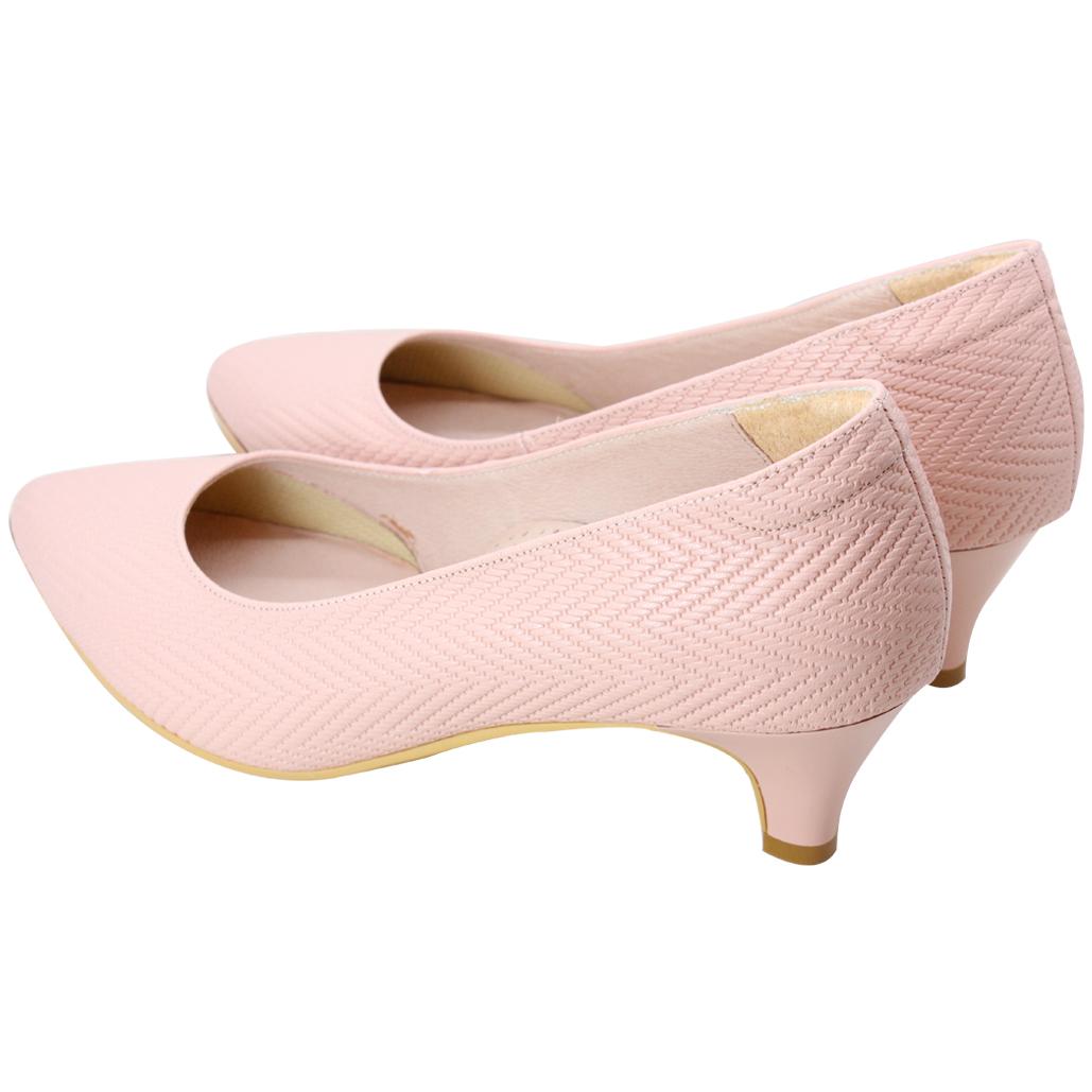 優雅風小牛皮特殊編織壓紋低跟鞋
