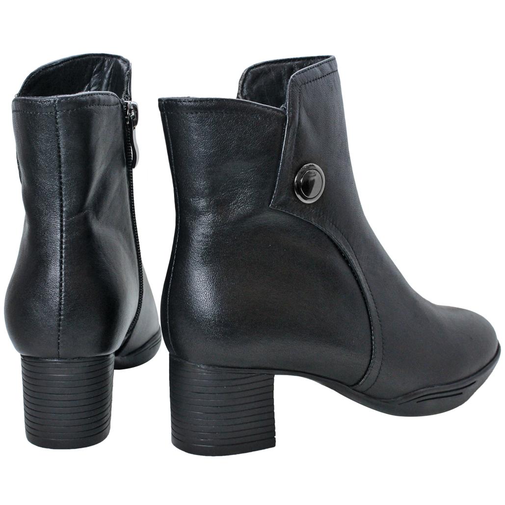 時尚小牛皮素面粗跟短靴
