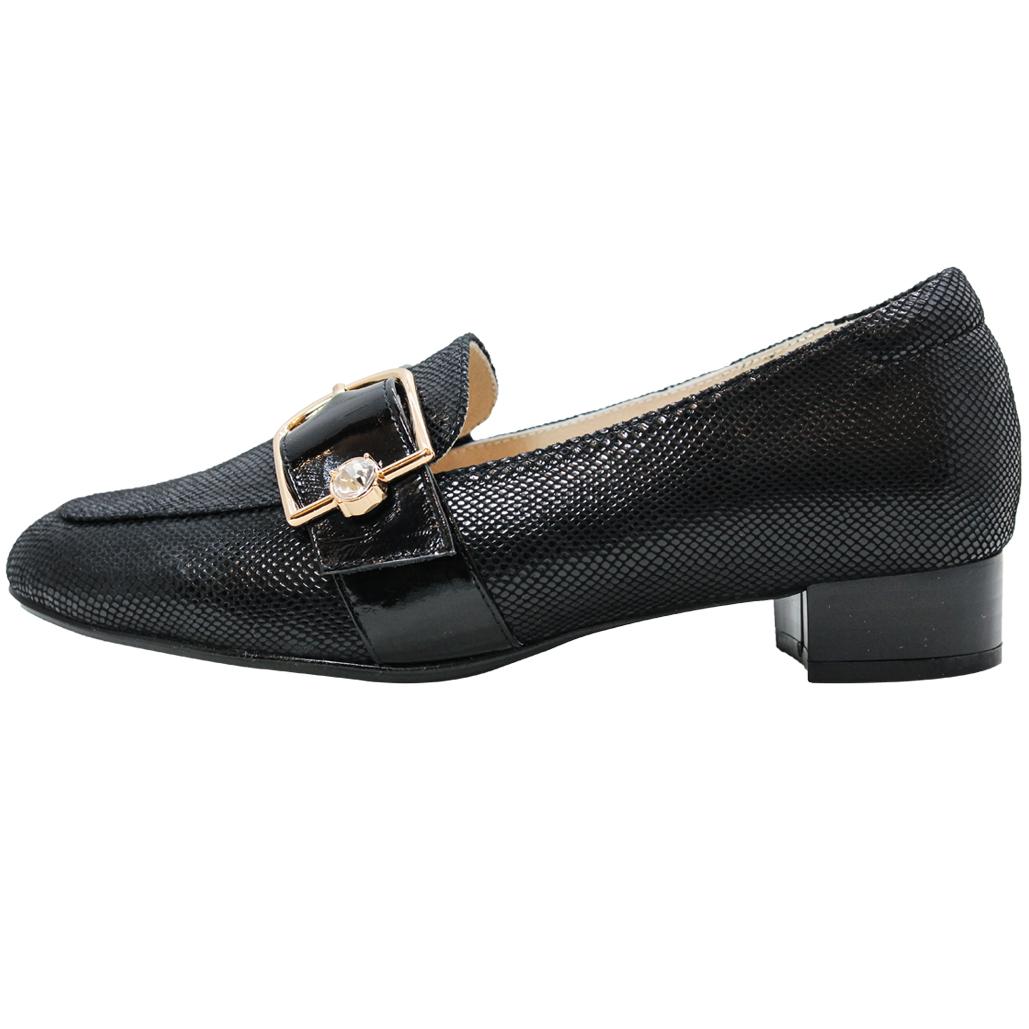 OL款特殊壓紋小羊皮低跟鞋