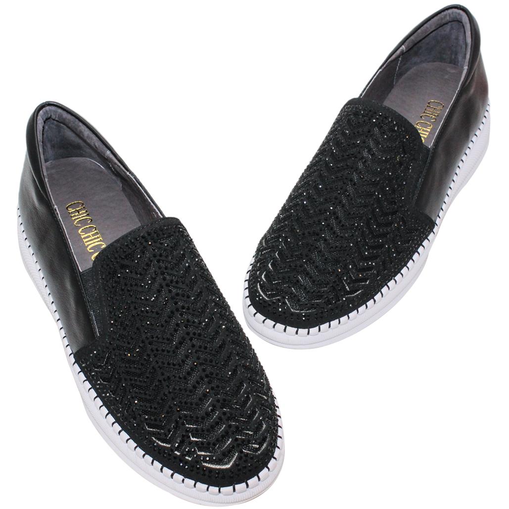 休閒風小羊皮透氣雷雕休閒鞋