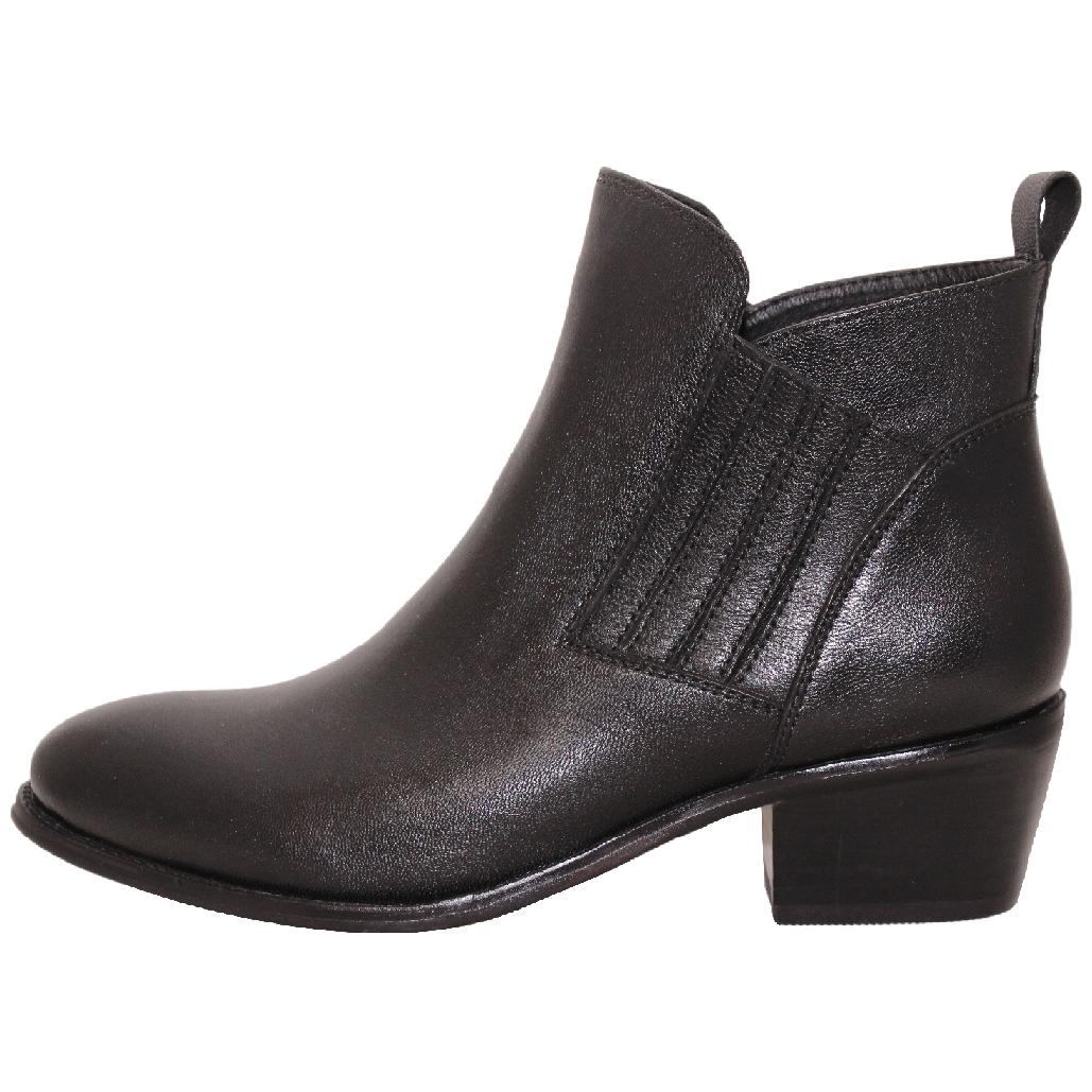英倫風基本款小牛皮雀爾希短靴