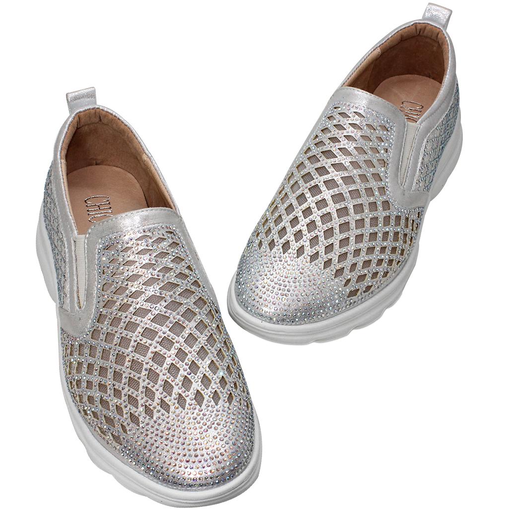 輕量化水鑽鏤空小羊皮休閒鞋