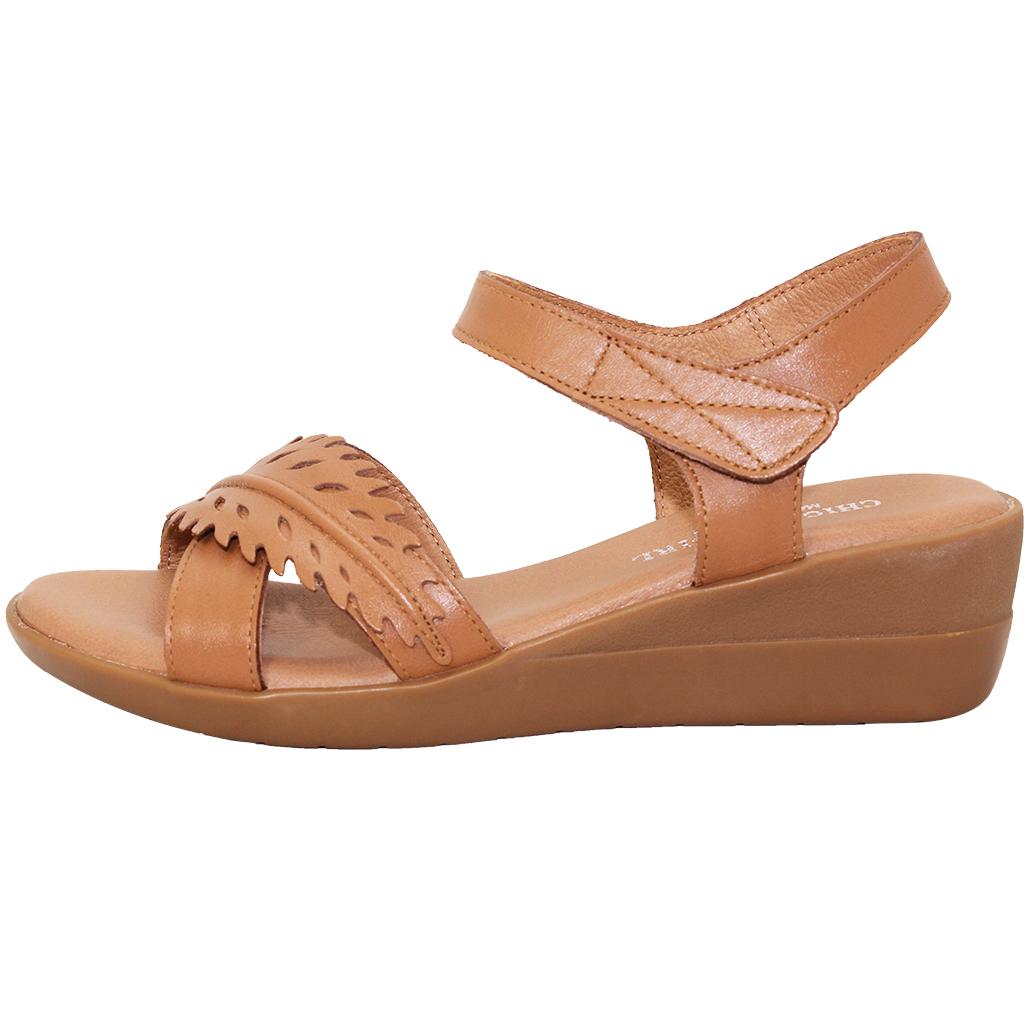 自然風小牛皮楔型涼鞋