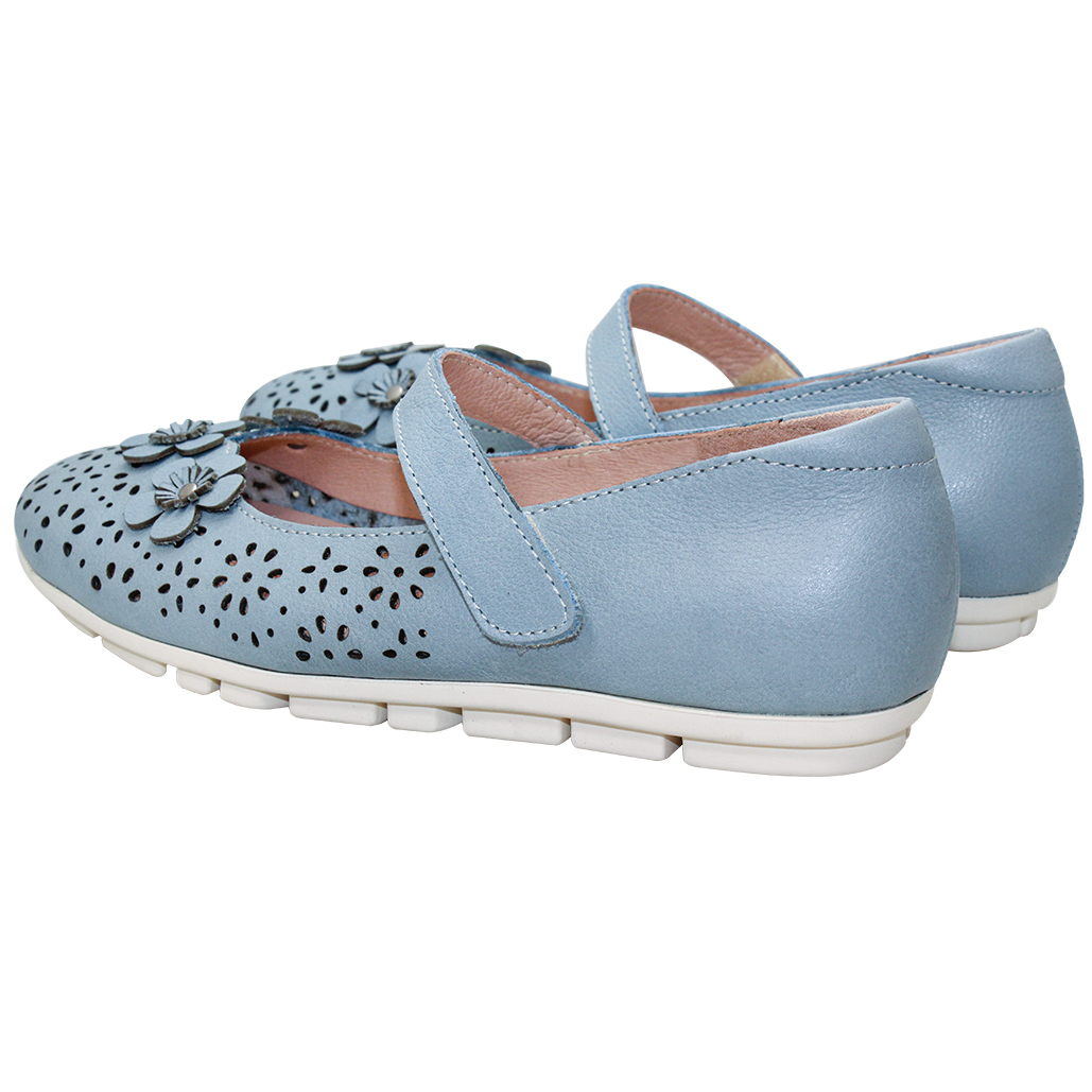 可愛小牛皮雕花瑪莉珍鞋