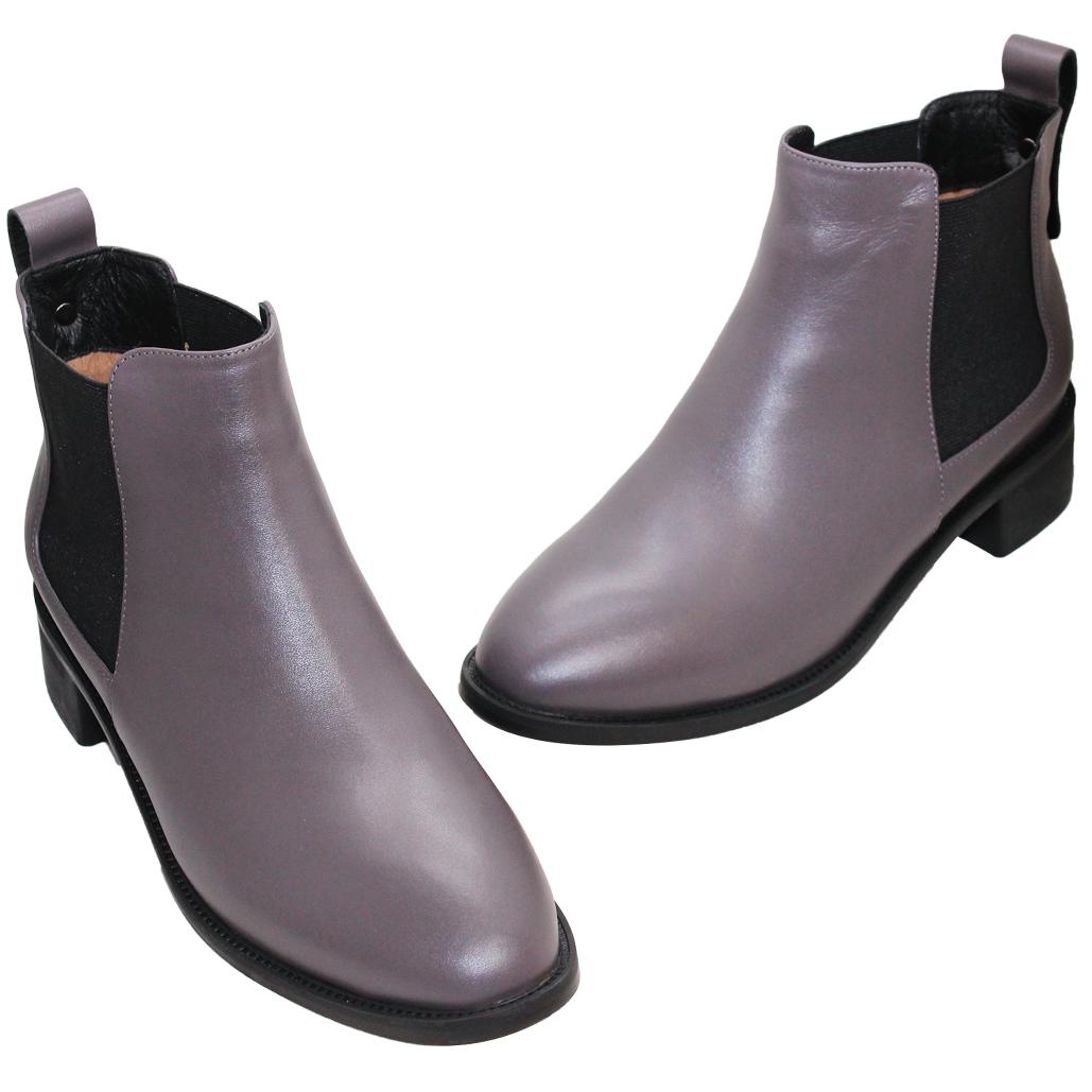 英倫風小牛皮低跟雀爾希短靴