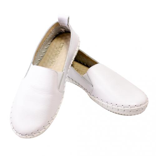 基本款荔枝紋小牛皮氣墊休閒鞋