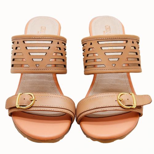 小牛皮幾何雷射雕花楔型涼鞋