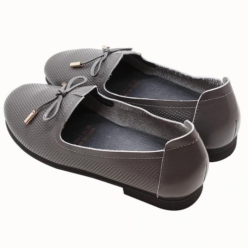 蝴蝶結雷雕小牛皮休閒鞋