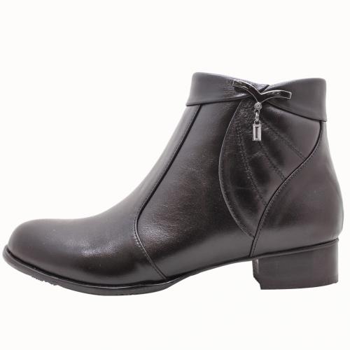 義大利頂級小牛皮美鑽釦飾低跟短靴