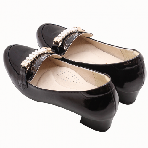 古馳風珍珠牛漆皮粗低跟鞋