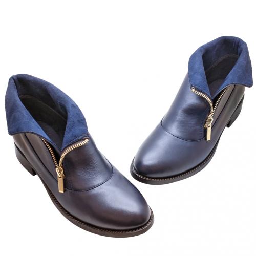 小牛皮個性風側翻V領反折短靴