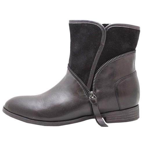 拼接小牛皮個性風側翻V領中筒靴