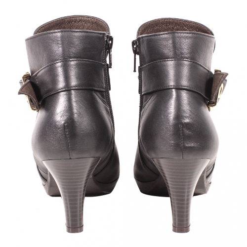 個性風小牛皮三吋細跟短靴