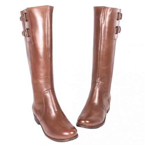 小牛皮素面低粗跟長靴