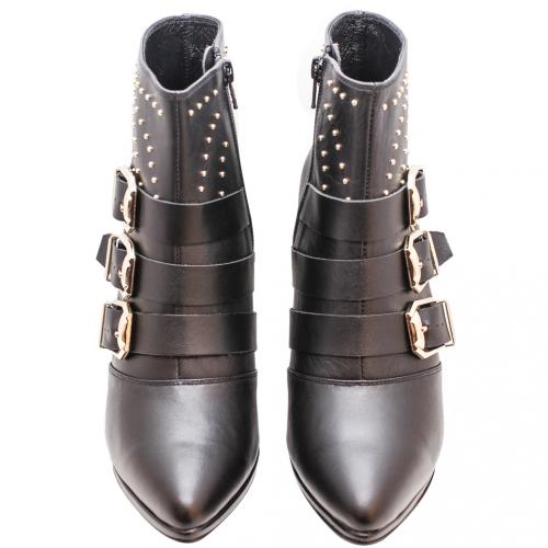 時尚尖頭鉚釘小牛皮細跟短靴