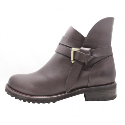 個性風小牛皮環扣低粗跟短靴