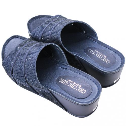 時尚水鑽輕高楔型拖鞋