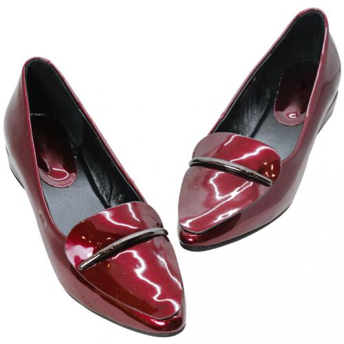 時尚羊漆皮尖頭低跟鞋