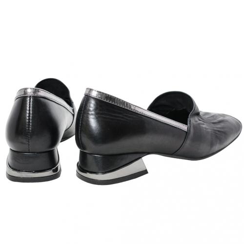 復古抓皺小羊皮方頭低跟鞋
