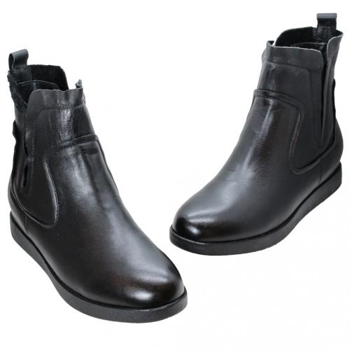 基本款小牛皮楔型短靴