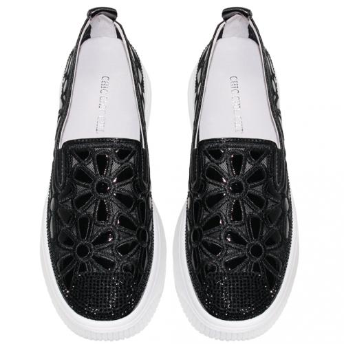 可愛花花羊漆皮透氣輕量後底休閒鞋