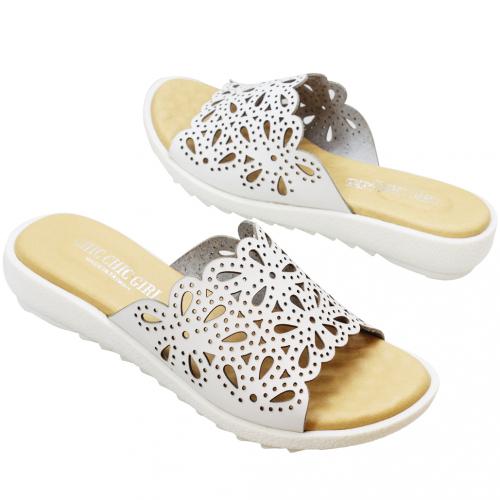 優雅小牛皮雷雕平口氣墊涼鞋