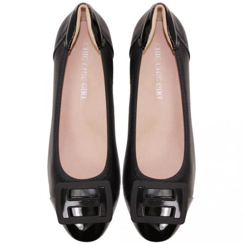 時尚精品風小羊皮中跟鞋