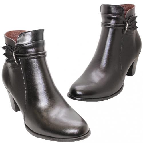 時尚小羊皮水鑽粗跟短靴