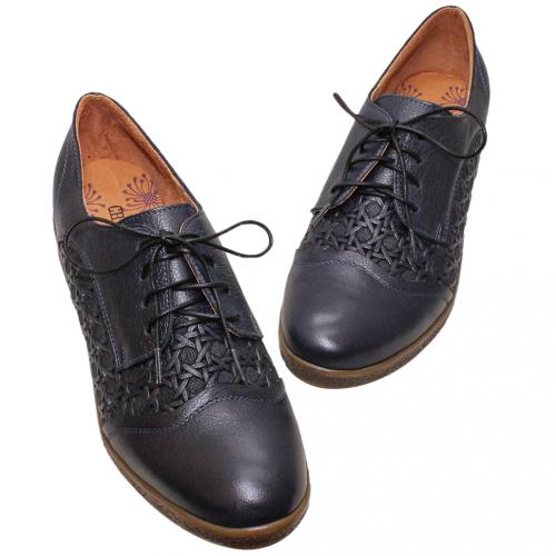 復古小牛皮開襟綁帶牛津鞋