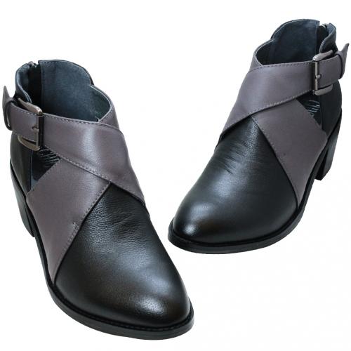 鏤空撞色交叉小牛皮短靴