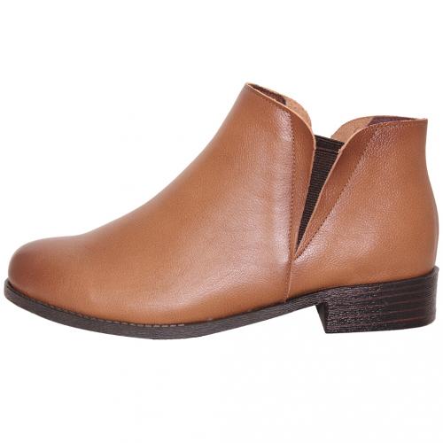 英倫風素面小牛皮雀爾希短靴