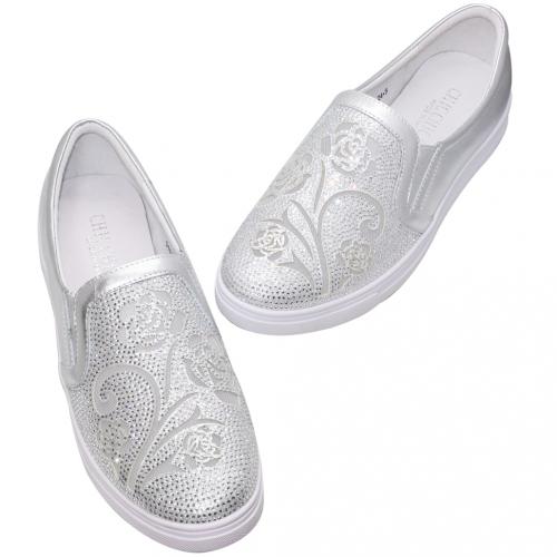時尚小牛皮雷雕水鑽休閒鞋
