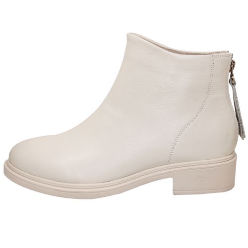 百搭小牛皮後拉式短靴