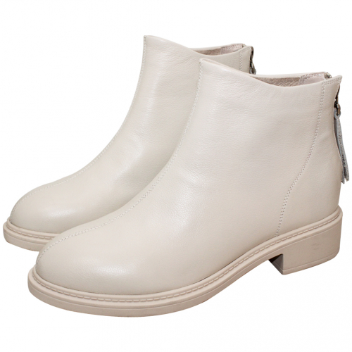 百搭款後拉式厚底短靴