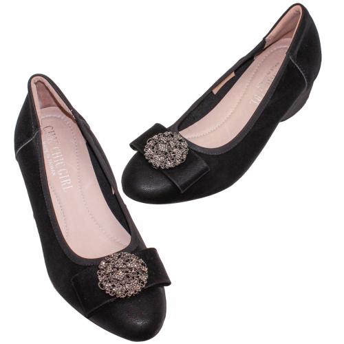 優雅圓釦小羊皮輕量楔型鞋