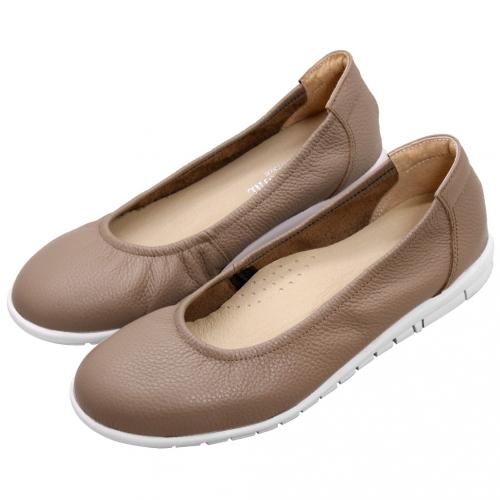基本款小牛皮寬楦氣墊鞋