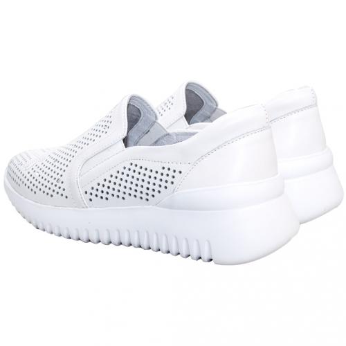 時尚雷雕水鑽小牛皮休閒鞋