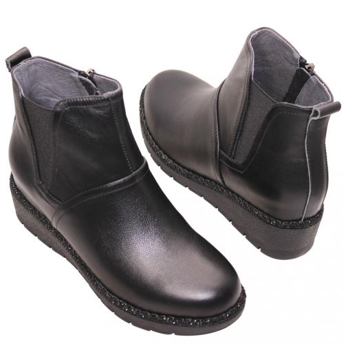 百搭素面雀爾希小牛皮楔型短靴