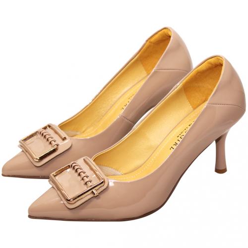 時尚方釦羊漆皮高跟鞋