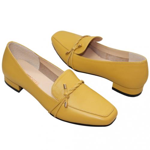 典雅編織辮小牛皮低跟樂福鞋